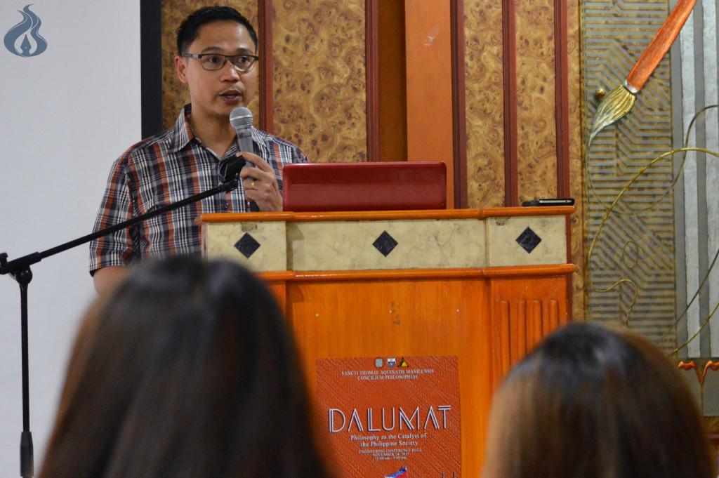 Dr. Franze Giuseppe Cortez of the UST Graduate School delivers in Dalumat 2015 photo by JANINE C. PEREA
