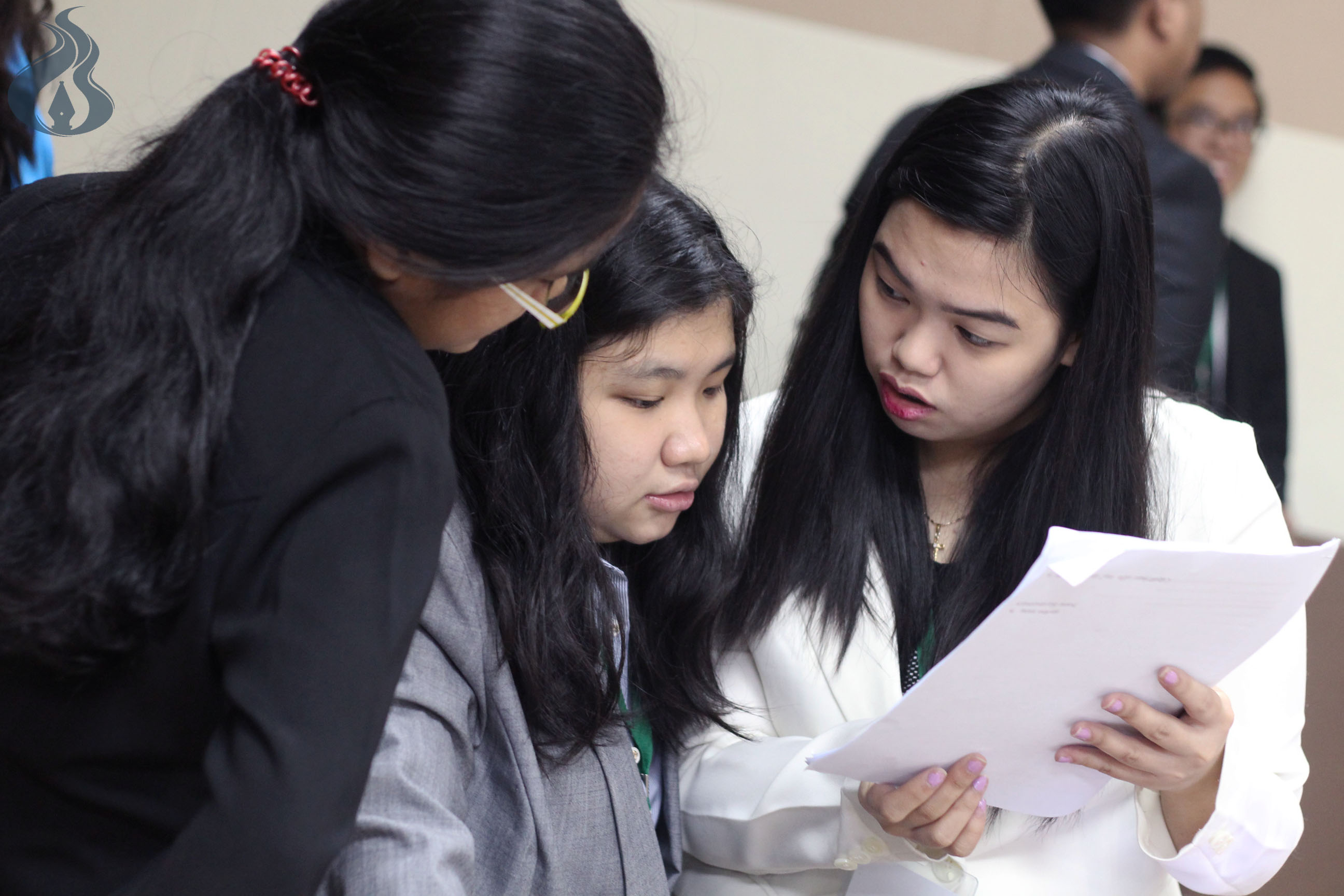 Participating students exchange ideas during one of the committee sessions. photo by KARL ANGELO N. VIDAL
