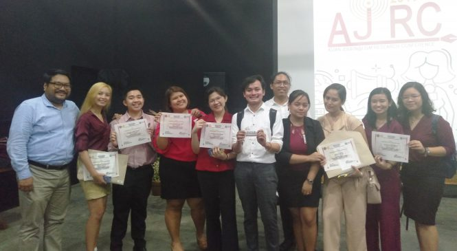 Journ students victorious in research competition